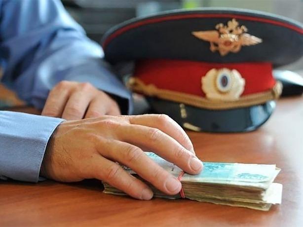 Экс-полицейский в Ростовской области пообещал наркоману «отмазать» его от тюрьмы за 150 тысяч рублей