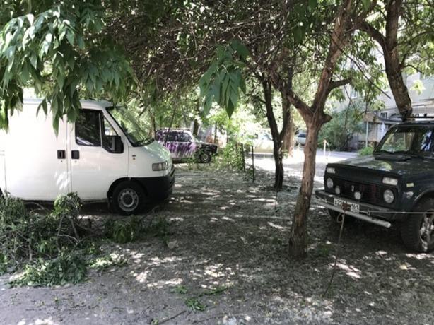 Уставший от мерзости автовладельцев житель Ростова требует запретить бесплатные парковки