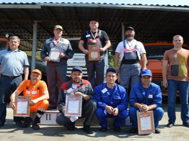 В конкурсе «Самый лучший сантехник Ростова» ни один из участников не смог собрать радиатор без протечки