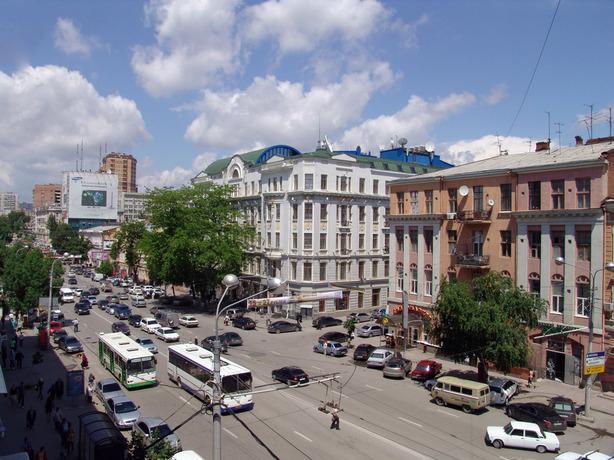 На части Ворошиловского проспекта в Ростове будет ограничено движение до 31 декабря