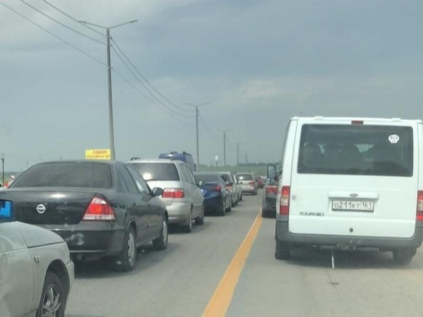Спешащие на «Бизон-Шоу» автовладельцы Ростова попали в адскую многокилометровую пробку