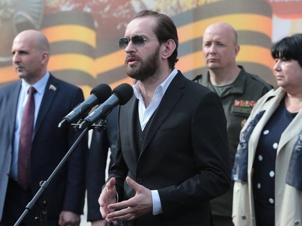 Актер Константин Хабенский приехал в Ростов на открытие памятника герою Александру Печерскому