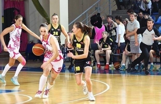 При подготовке к чемпионату «Ростов-Дон-ЮФУ» лишился двоих опытных игроков