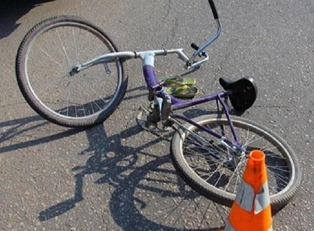 Травму головы получил мальчик на велосипеде, которого сбил автомобиль в Ростове