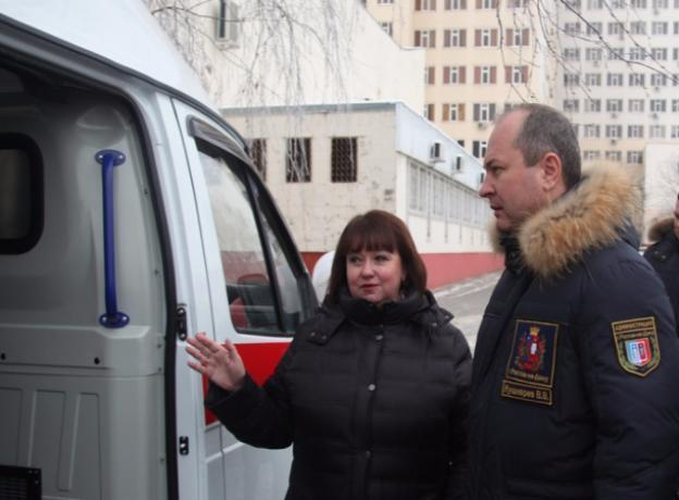 Ключи от новых автомобилей скорой помощи получила донская БСМП