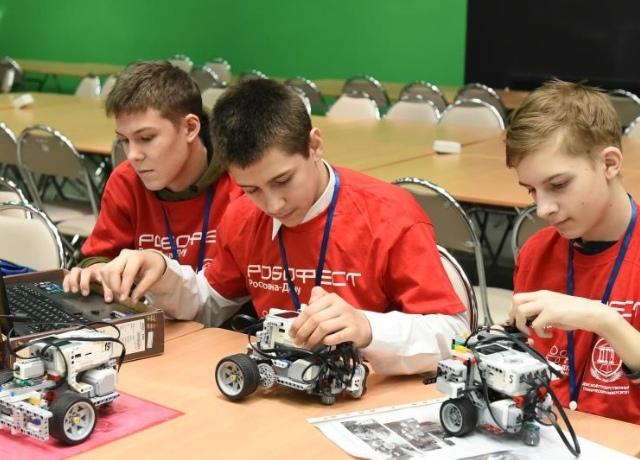 Юные специалисты по робототехнике продемонстрируют свои навыки на фестивале в ДГТУ