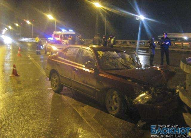 В Ростове мать и дочь разбились в ДТП, врезавшись в отбойник