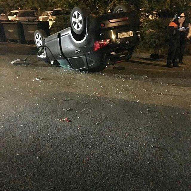 ВРостове врезультате дорожно-траспортного происшествия наЛенина перевернулось авто