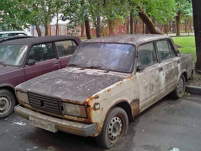 Убрать брошенные автомобили с улиц пообещали в скором времени в Ростове