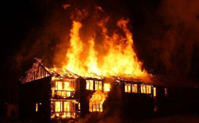 Пожилой житель Аксайского района заживо сгорел на даче под Ростовом