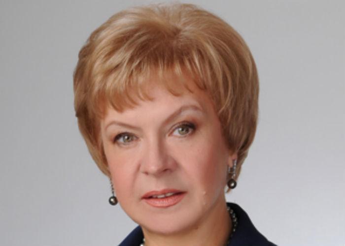 Политологи верят в шансы Степановой сохранить мандат