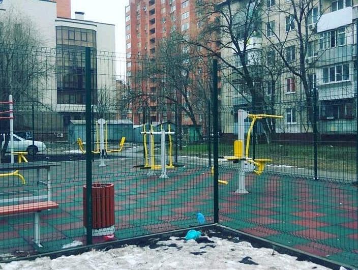 Спортплощадка «на показ» возмутила жительницу Северного жилого массива в Ростове