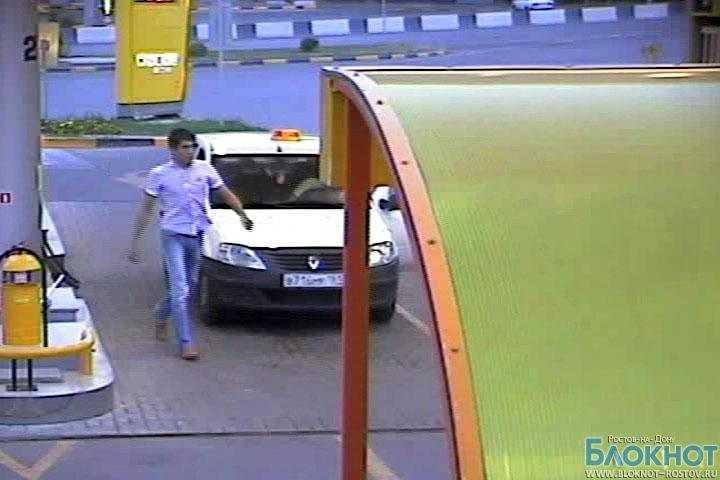 В Ростове мужчина угнал такси c автозаправки