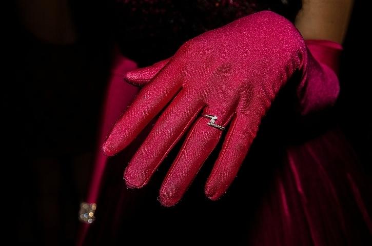 В Таганроге мужчина похитил кольцо, которое ему хотела подарить подруга