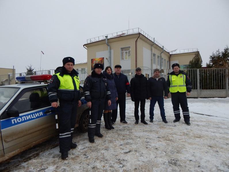 Родители и полицейские Ростовской области организовали совместный патруль