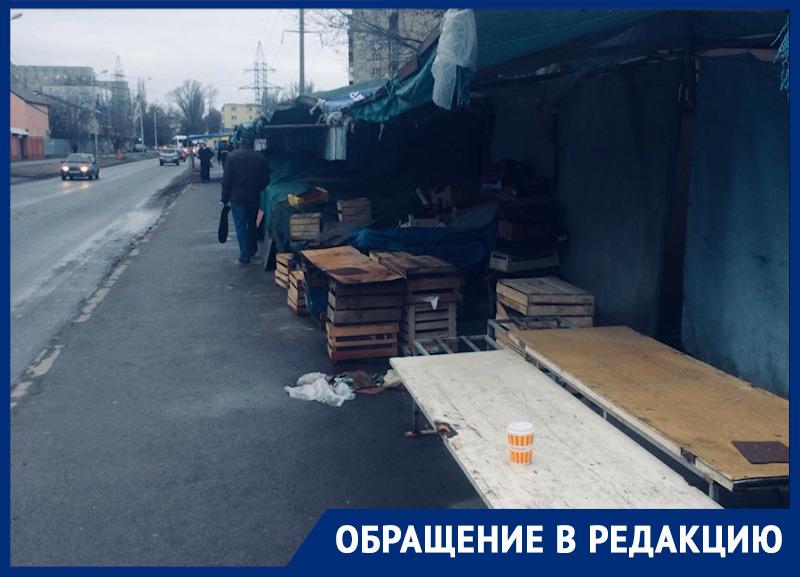 «Всюду вонь и грязь»: ростовчанка потребовала от городских властей навести порядок на Днепровском рынке