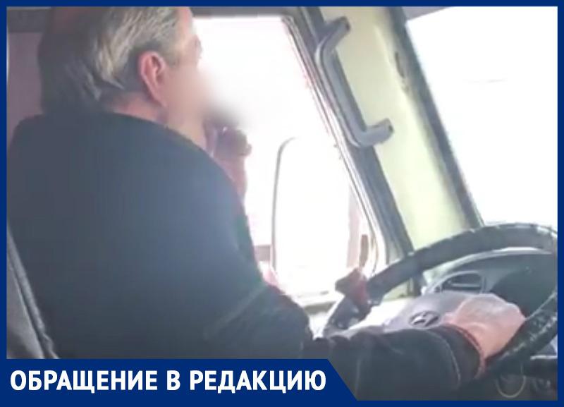 «Курил и не реагировал на замечания»: ростовчане пожаловались на водителя маршрутки №40