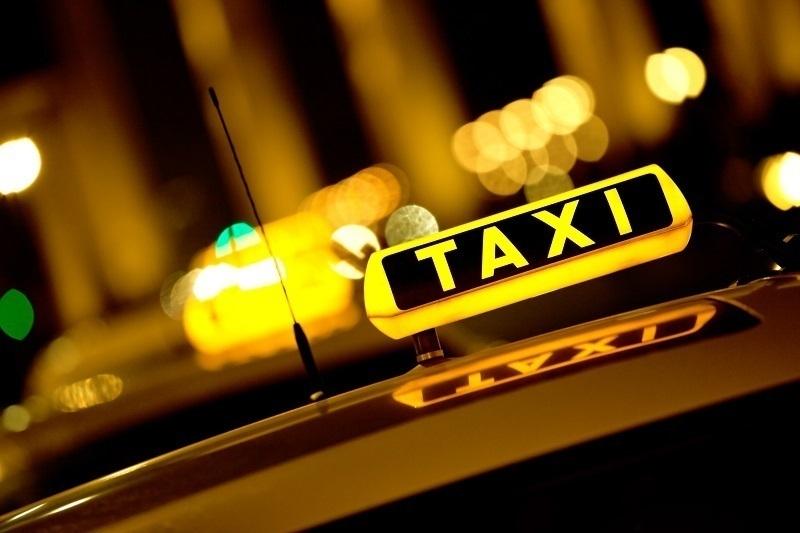 В Ростове мошенница попыталась обмануть молодого таксиста