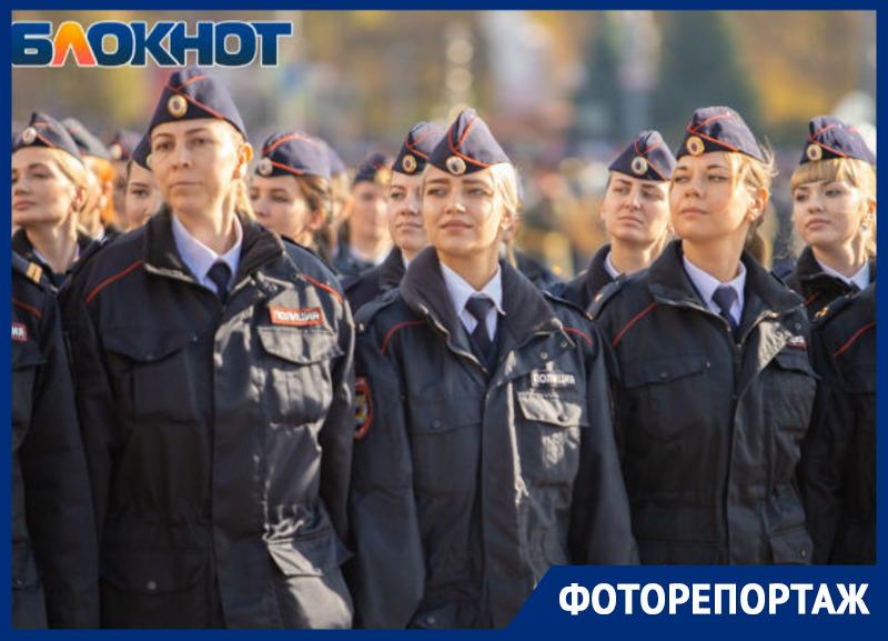 В Ростове прошел парад полиции