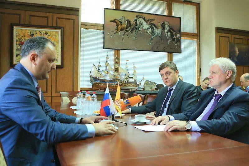 Сергей Миронов и Олег Пахолков встретились в Госдуме с лидером молдавских социалистов Игорем Додоном