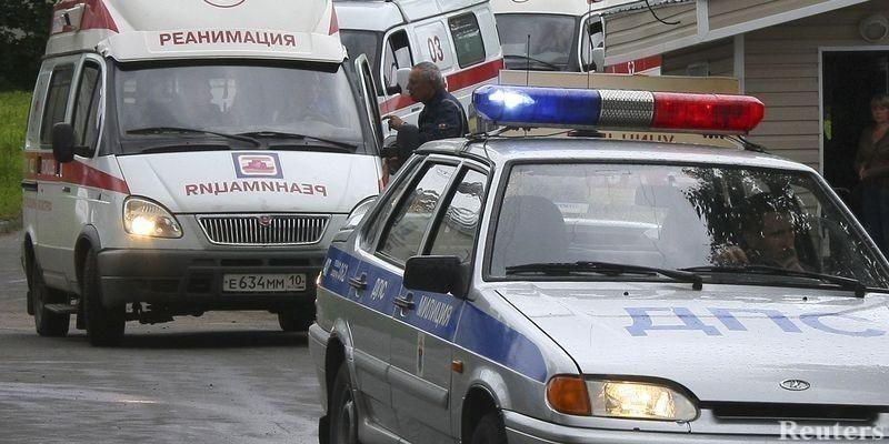 ВНовочеркасске «Митсубиси» столкнулась стремя автомобилями исбила пешехода