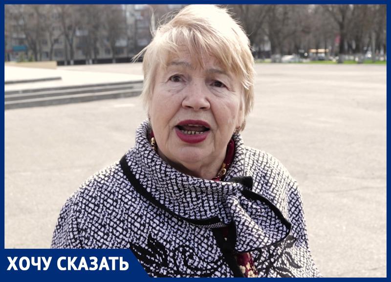 «Мы вынуждены ходить в туалет в ведро!»: пенсионерки из хора «Ивушка» требуют от властей Ростова новое помещение