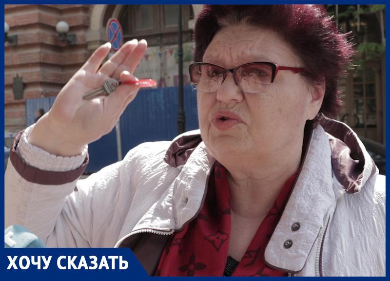 Комары, плесень и крысы: как выживают жильцы аварийного дома в центре Ростова