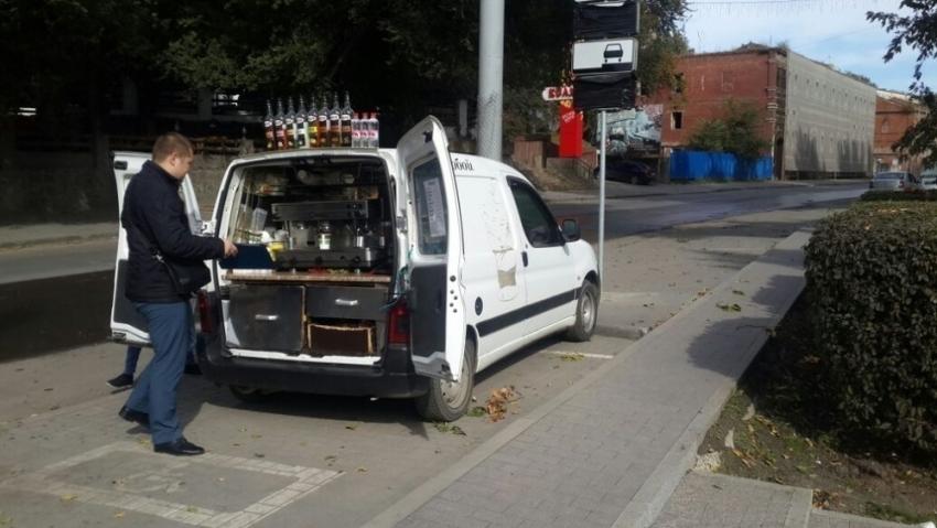 Администрация Ростова остановила работу еще 3-х мобильных кофеен