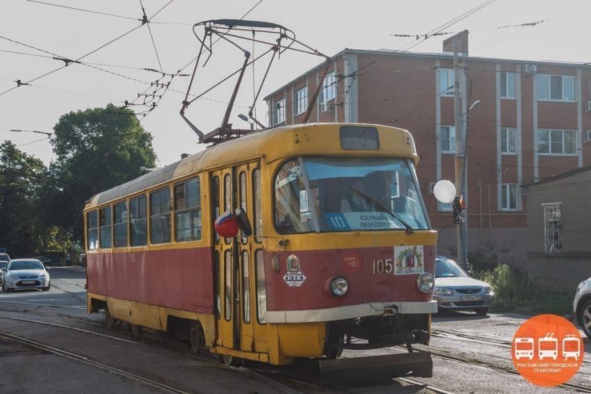 Новые низкопольные трамваи с уникальными дверьми вышли на линии Ростова