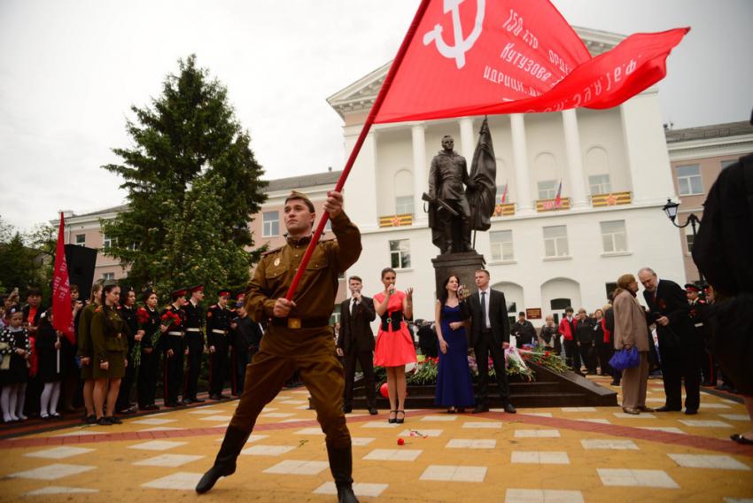В Ростове открыли памятник герою войны Алексею Бересту