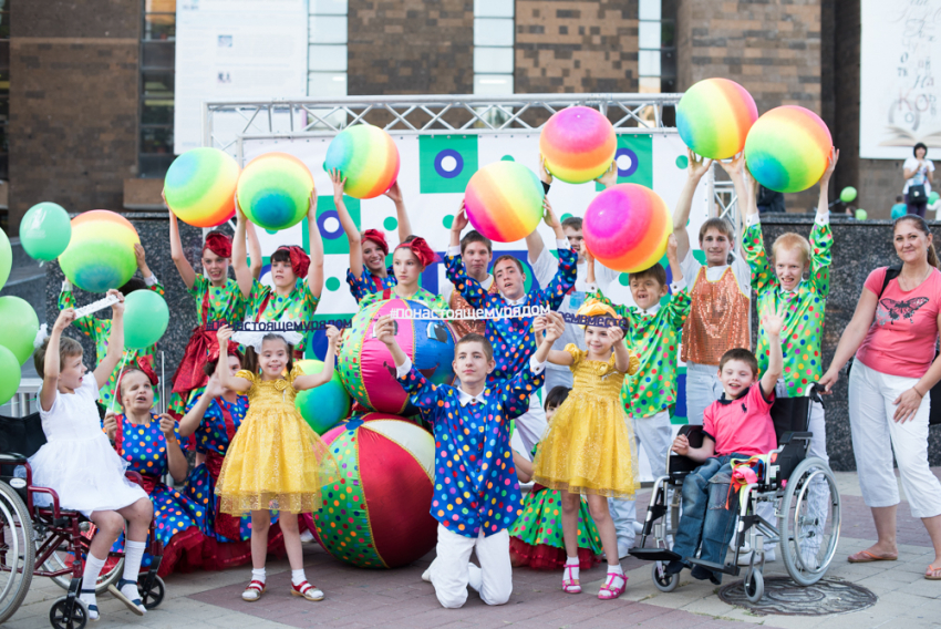 ВРостове открылась первая инклюзивная детская площадка
