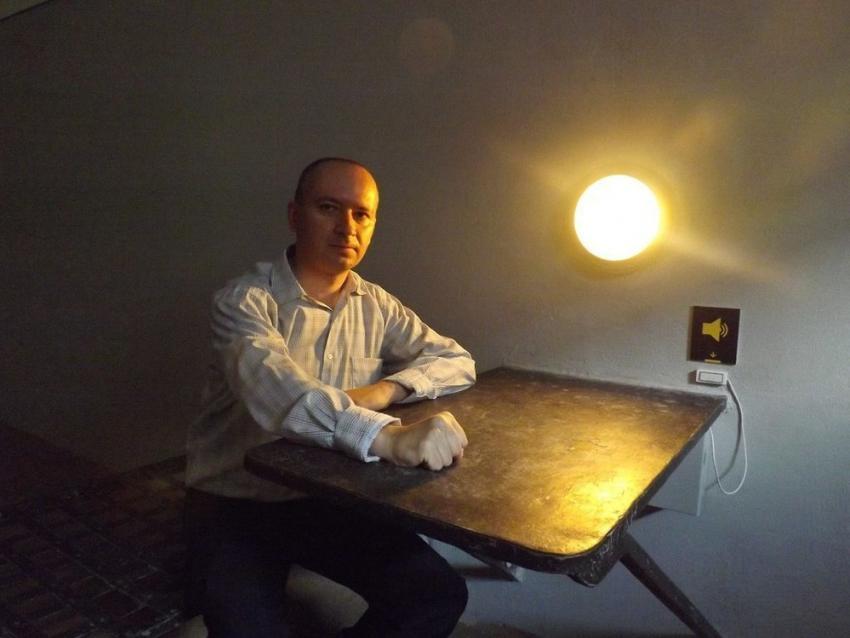 Корреспондент «Росбалта» рассказал обизбиении на опросе вЦентре «Э» Ростова-на-Дону