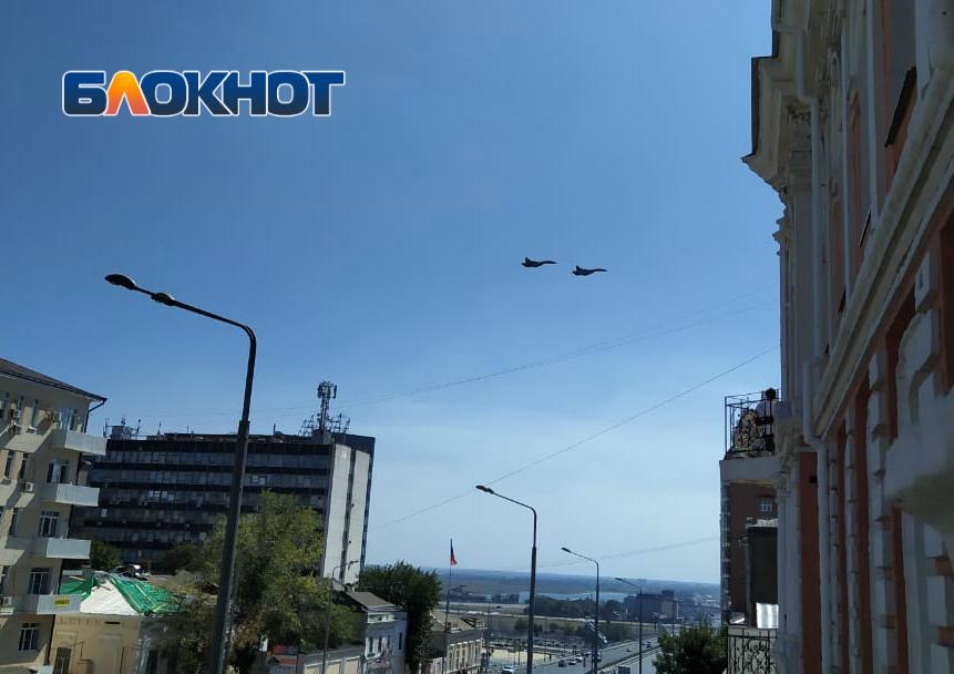 Ростовчан испугали полеты боевых истребителей над городом