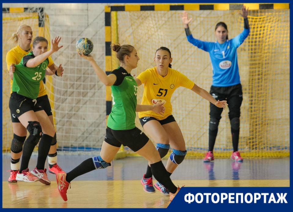«Ростов-Дон» разгромил АГУ-«Адыиф»: публикуем первый гандбольный фоторепортаж этого сезона