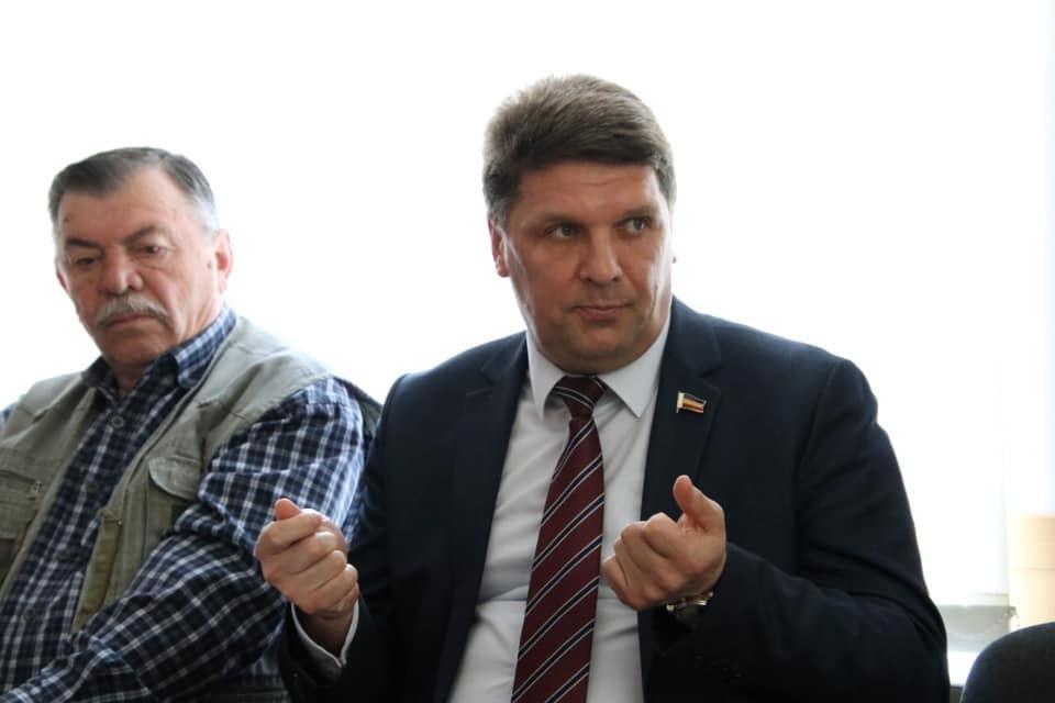 Изсобственности усемьи ростовского депутата Владимира Влазнева есть только гараж
