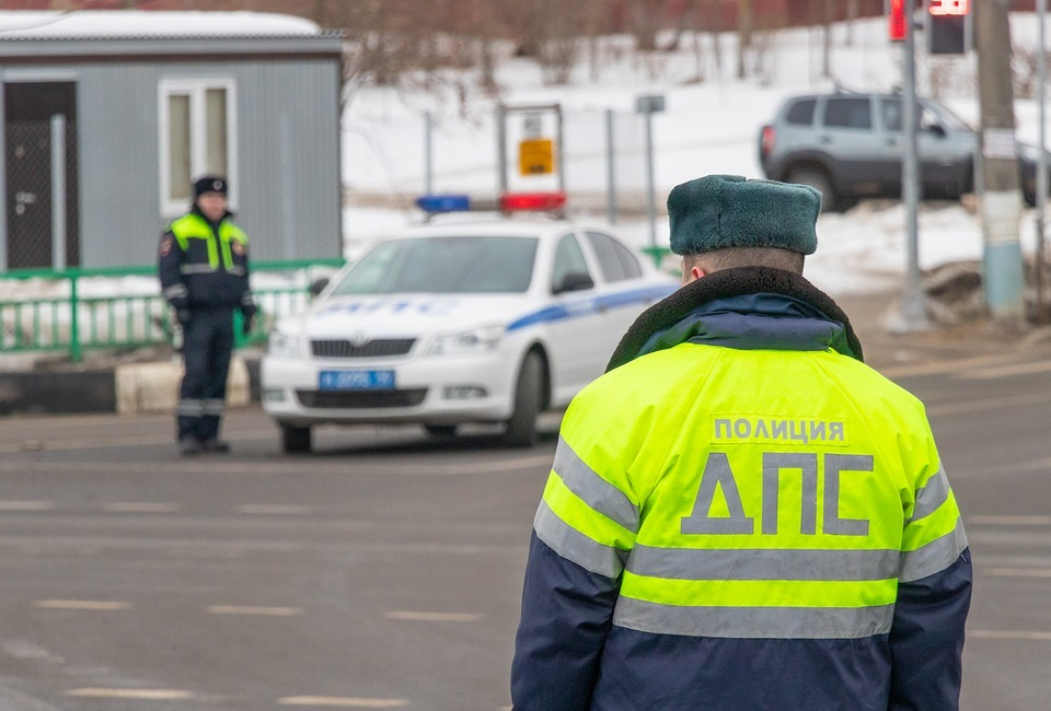 Недовольные поборами начальства сотрудники ГИБДД служат в Аксае