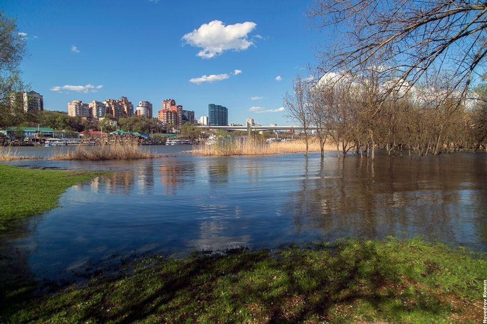 Часть набережной в Ростове может уйти под воду