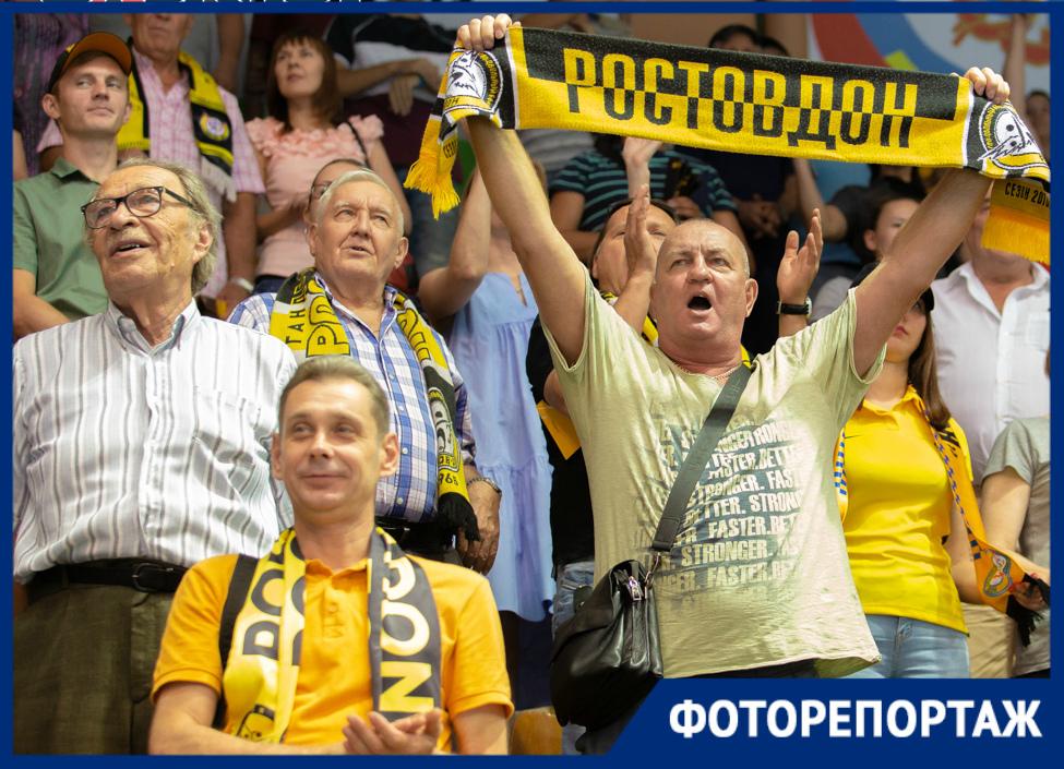Эмоции болельщиков ибыстрые атаки: яркие кадры гандбольного матча «Ростов-Дон»— «Луч»