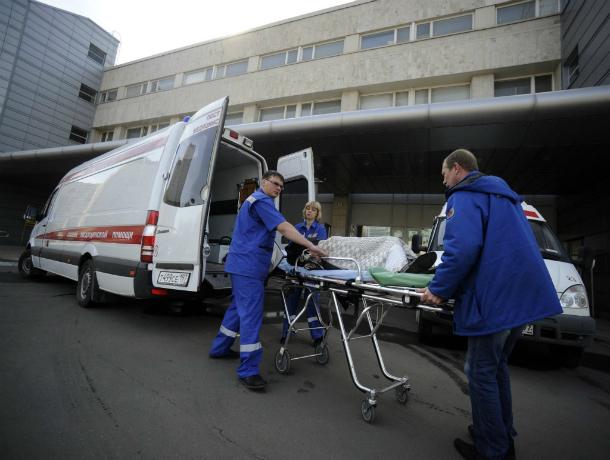Серьезные травмы получила девушка в жестком ДТП с двумя иномарками в Ростове