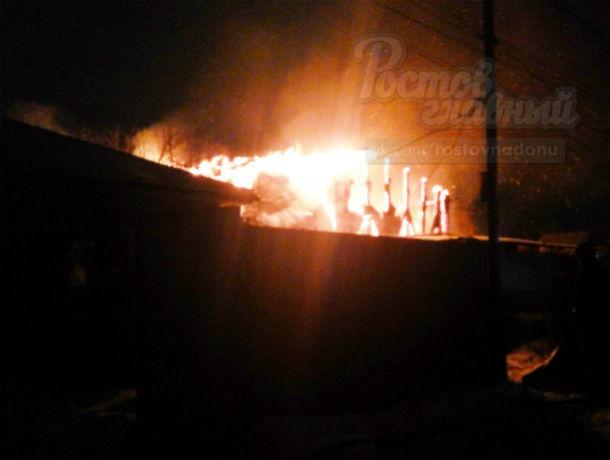 Страшный пожар в частном секторе, бушевавший больше часа, напугал жителей Ростова