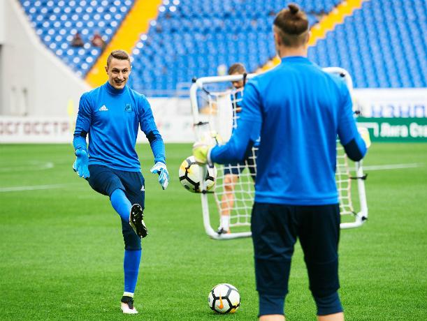 Футболисты «Ростова» остались дико довольны изумрудным газоном новенького стадиона-красавца