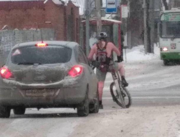 Суровый велосипедист-морж появился на дорогах Ростова