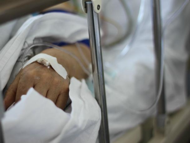 Молодой водитель иномарки избил пенсионера со слабым сердцем после ДТП в Ростове