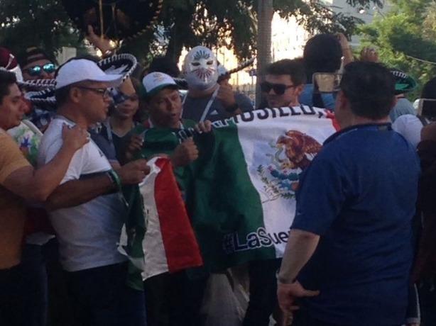 Страстные и неугомонные болельщики-мексиканцы атаковали гостиницу в Ростове