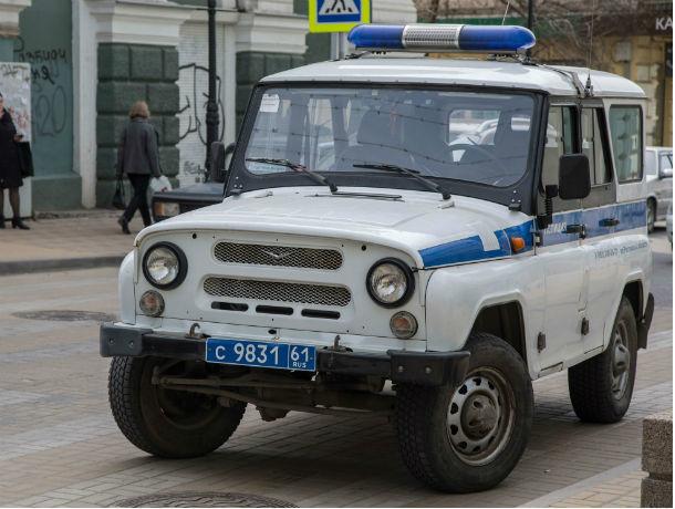 Подвел агитплакат: полицейского накажут за свастику в Ростовской области