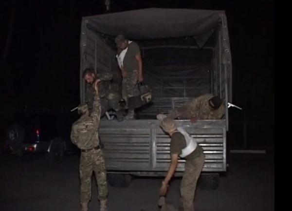 Донские пограничники передали Украине четверых раненых военных. Видео