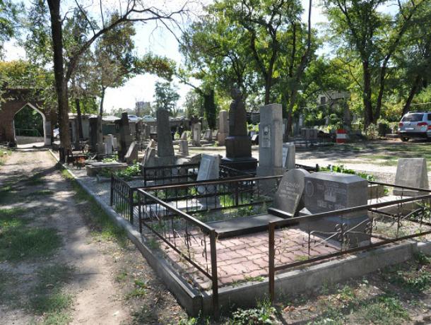 Современное кладбище на 29 тысяч могил с парковкой и «прощальным залом» появится под Ростовом