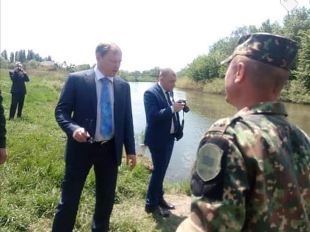 Поднять затонувший советский танк в Ростовской области мешают сильное течение и толстый грунт