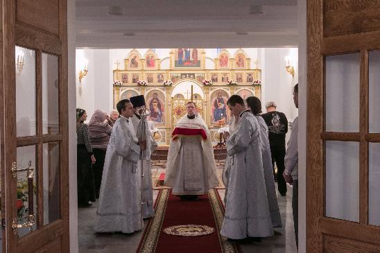 В новом ростовском храме Святой Великомученицы Татианы прошла первая литургия