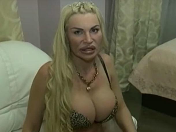 Знаменитую модель с чудовищными «сиськами» из Ростова опозорили на ток-шоу отвергнутый мужчина с любовницей